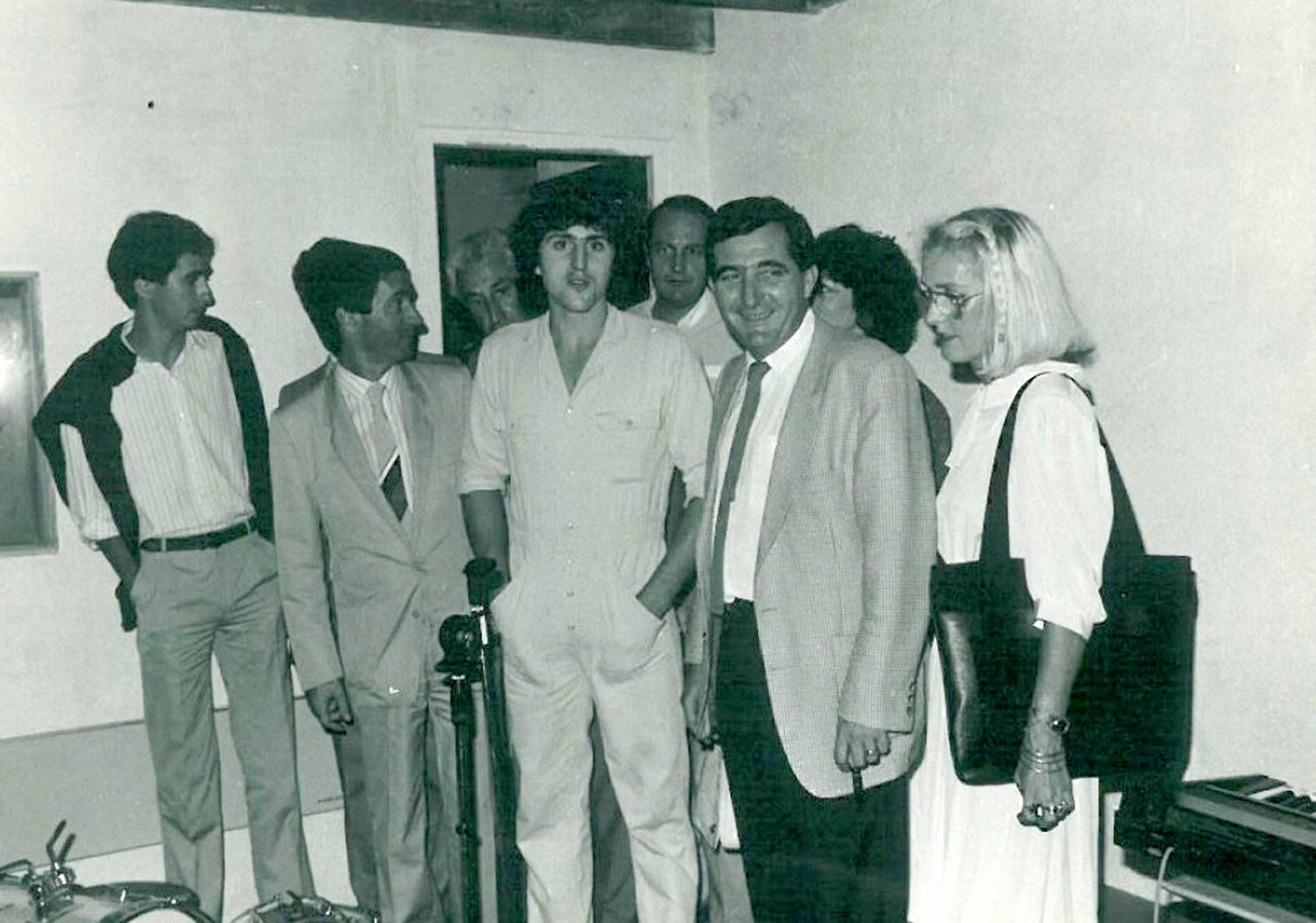 Septembre 1985 : inauguration en présence du maire Gérard Castagnéra, de l'un des premiers espaces dédiés à la pratique des musiques amplifiées en France : trois boxes de répétition ouverts de 9h à 2h du matin, 7/7 jours. Très vite, l'association comptabilise plus de 50 groupes adhérents. <br>Aujourd'hui, il y a 8 locaux et plus de 400 groupes qui viennent répéter à l'année.